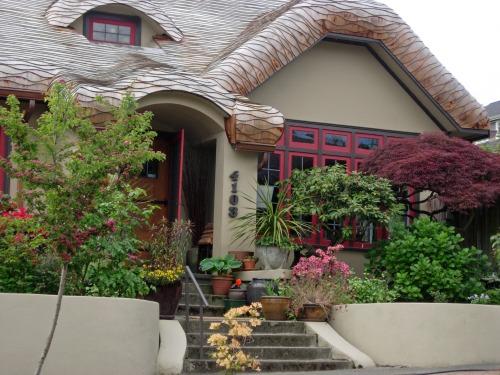 Cutest Gingerbread Home in Seattle JULIE HUTTON